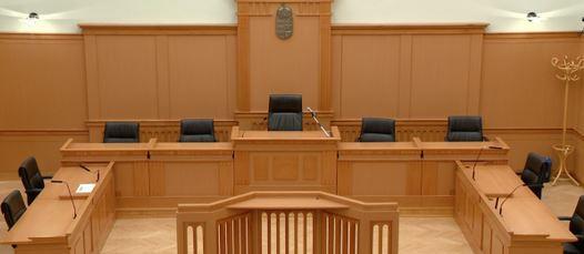 A képhez tartozó alt jellemző üres; tárgyalóterem-király-enikő-ügyvéd.jpg a fájlnév